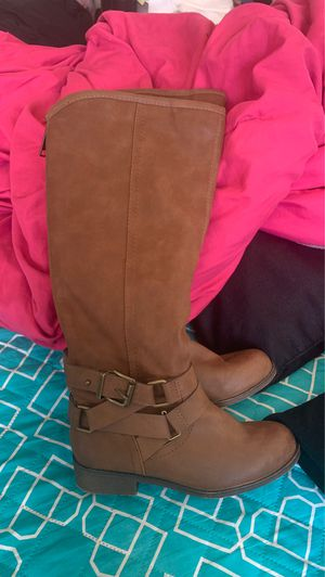 brand new womens boots in size 5 1/2 for Sale in Hyattsville, MD