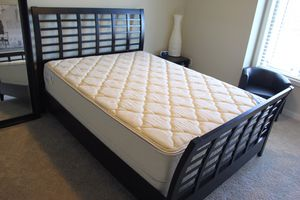 Queen bed frame & mattress set for Sale in Buckley, WA