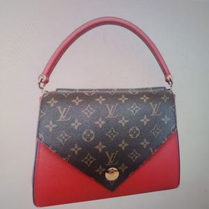 NEW Authentic Louis Vuitton Double V for Sale in Herndon, VA