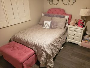 White bedroom set (full bed with mattress, nightstand, desk, chair, bench) for Sale in San Diego, CA