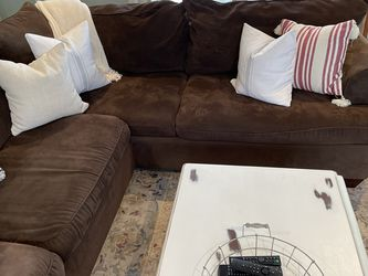Raymour & Flanigan Sectional Couch for Sale in Massapequa,  NY