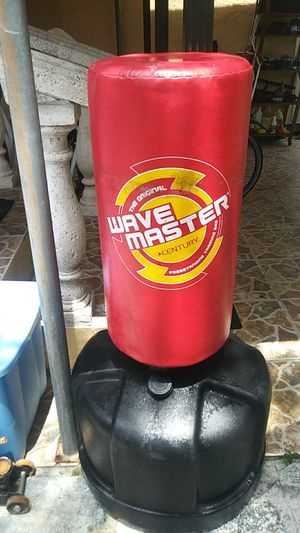 Wave master freestanding training bag for Sale in North Miami, FL