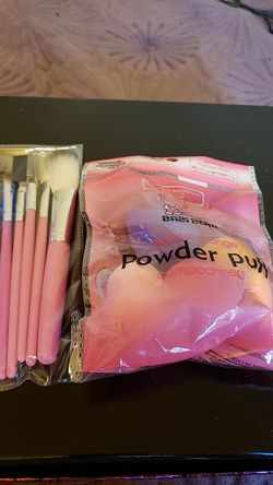 Beauty blender 5 piece makeup brush set for Sale in Brooklyn,  NY