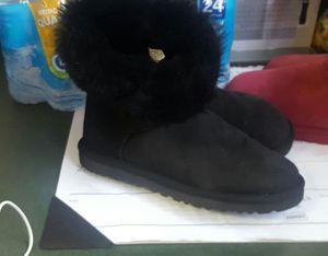 Ugg size 8 for Sale in Orlando, FL