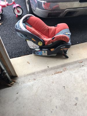 Chicco baby Car seat. Machine washable fabric for Sale in Alexandria, VA