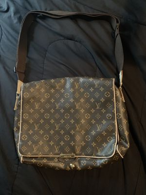 Louis Vuitton Messenger Bag for Sale in Decatur, GA