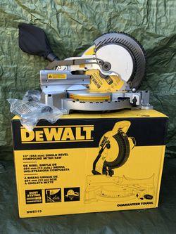 """Dewalt Singe 10"""" Double Single Compound Miter Saw  for Sale in Anaheim, CA"""