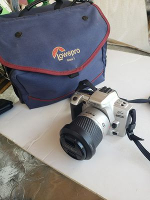 Minolta Maxxum QT si 35mm camera with equip bag for Sale in Chelmsford, MA