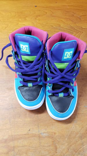 DC SHOES MULTI COLOR HIGH TOP SIZE 4 GIRLS for Sale in Los Angeles, CA