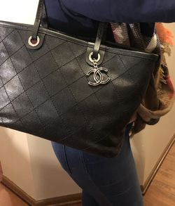 Authentic Chanel Cavier Shopping Tote for Sale in Westerville,  OH