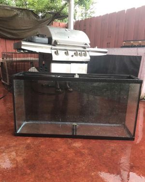 65 gallon fish tank for Sale in Hialeah, FL