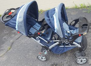 Baby Trend 2 Seat Sit n Stand Double Stroller for Sale in Farmington, MI