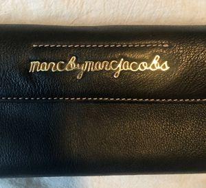 AUTHENTIC Marc Jacobs Leather Wallet for Sale in Phoenix, AZ