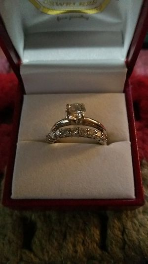 Beautiful white gold diamond engagement ring and wedding ring appropriate size 7 1/2 for Sale in Corona, CA