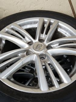 A.S.I.S INFINITI G35 2003 RIMS AND TIRES USED FOR 2 WEEKS for Sale in Lantana,  FL