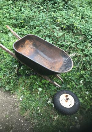 Wheelbarrow for Sale in Snohomish, WA