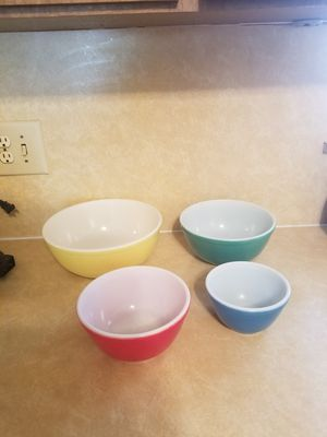 Pyrex mixing bowls for Sale in Hollywood, FL