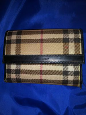 Plaid checkered Burberry wallet for Sale in Arlington Heights, IL