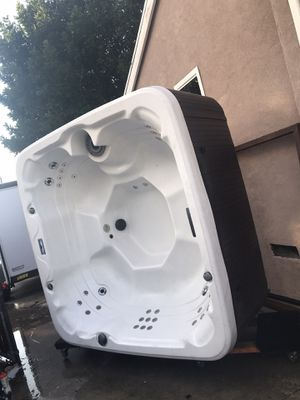 Hot tub for Sale in La Habra Heights, CA