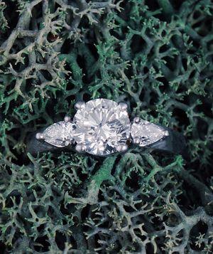 Platinum 3 Stone 1.69cttw Diamond Wedding Engagement Estate Ring for Sale in San Francisco, CA