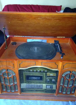 Record, tape, cd, and radio player all in one for Sale in Garden Grove, CA