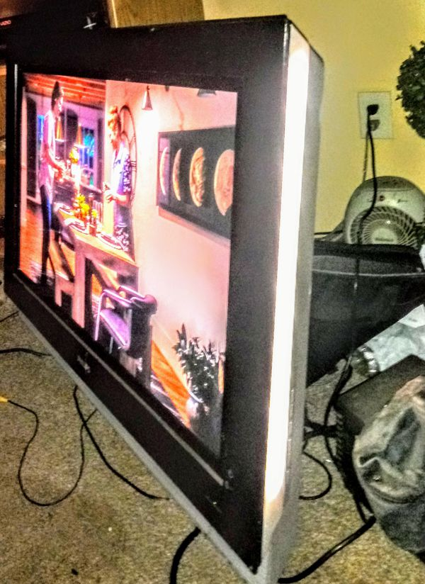 "42"" Phillips ambient light plasma tv"