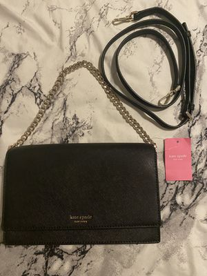 Black Kate spade cross body bag with chain for Sale in Anaheim, CA