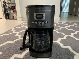 Cuisinart Programmable 14-Cup Coffee Maker in Black for Sale in Portland,  OR