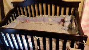 Crib with matching changing table for Sale in Glendale, AZ