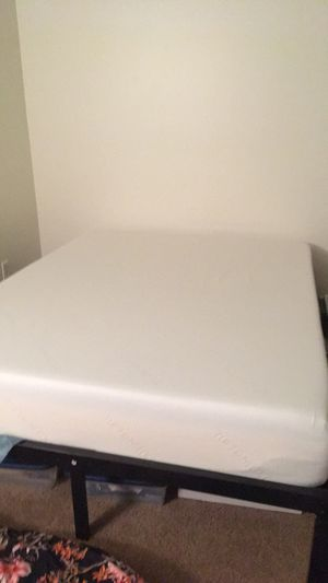 Tuft and Needle Queen Mattress for Sale in Syracuse, NY