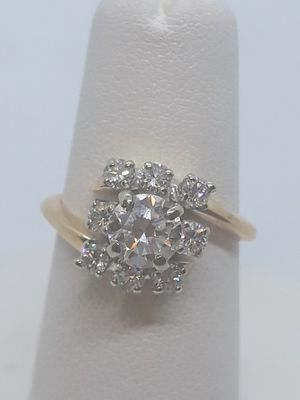 14k yellow gold diamond cluster ring 1.2 ctw 4 grams size 5 for Sale in Fort Pierce, FL