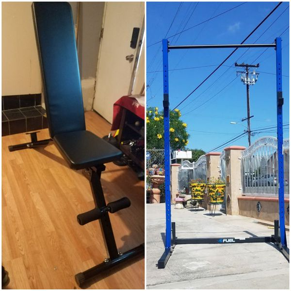 700lbs Adjustable workout bench with 500lbs Capacity 7 foot half rack with pull up bar