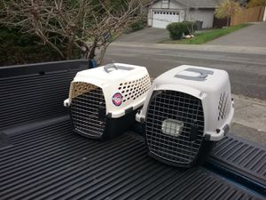 """Small Dog Cat Kennel Crate Carrier Like New 24"""" L by 14"""" W by 14"""" H $25 Each for Sale in Federal Way, WA"""