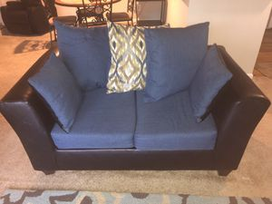 Living Room Love seat for Sale in Boyds, MD