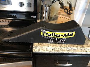 Trailer Aid - EASY TO CHANGE TIRE for Sale in Miami, FL