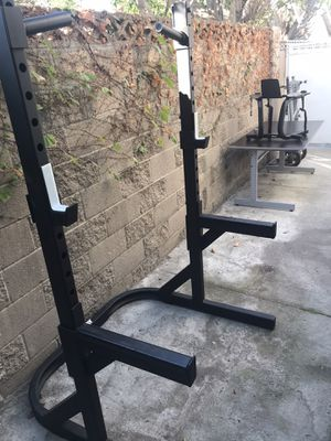 Squat rack in great condition... great for heavy lifting... for Sale in Los Alamitos, CA