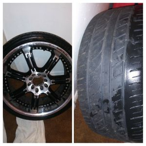 "18"" chrome/black 5lug rims w/tires for Sale in Riverview, FL"