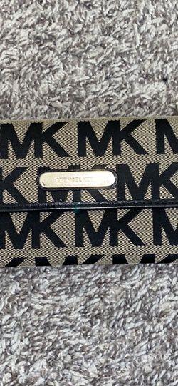 Michael Kors Wallet for Sale in La Mesa,  CA