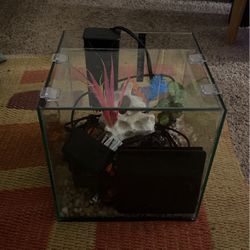 Fish Tank With Smartlight & Accessories for Sale in Fullerton,  CA