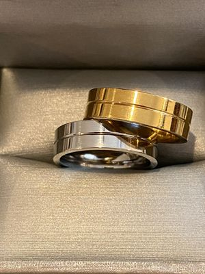 Unisex Silver/Yellow Gold plated Matching Ring Set—Code |LOV29| for Sale in San Jose, CA