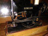 Singer sewing machine for Sale in Talladega, AL