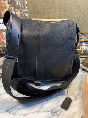 Coach crossbody/messenger black leather for Sale in Alafaya, FL