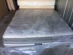 Simmons beauty rest to $4000 black model 700 for Sale in Kansas City, MO