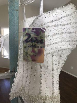 New White diamond pearl size 12 wedding dress for Sale in Wildomar, CA