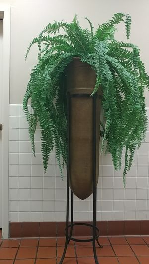 Clay plant pot and stand for Sale in Kissimmee, FL
