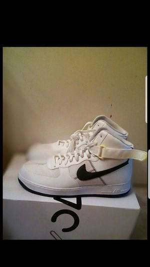 Nike Air Force 1 '07 LV8 1 white purple size 12.5 for Sale in San Leandro, CA