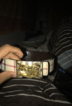 Burberry belt for Sale in Tampa, FL