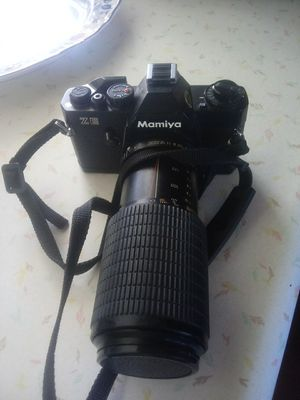 Mamiya Camera (w/bag and multiple lenses & accessories) for Sale in South Vienna, OH