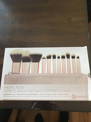 Makeup brushes for Sale in Gardena, CA