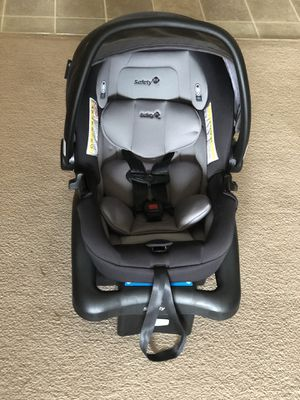 Safety 1st Carseat & extra base for Sale in Butte La Rose, LA